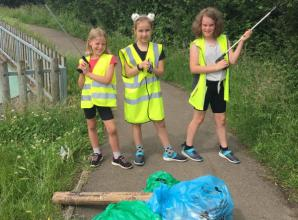 Charvil youngsters raise more than £340 from litter pick for new school sensory garden