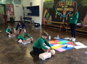 Maidenhead school children taught crucial first aid lessons