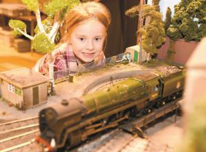 Video: Model railway exhibition in Knowl Hill