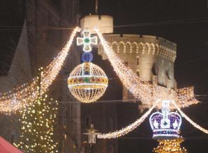 Deck the Borough with Christmas lights to win £250