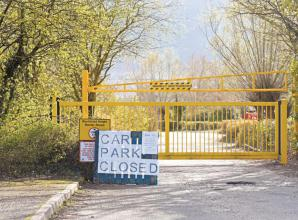Dinton Pastures Country Park closes all car parks