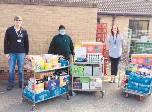 Stoke Green CC cricketers bowl in with food and drink for NHS staff at Wexham Park Hospital