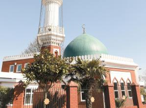 First outdoor call to prayer broadcast from Maidenhead Mosque