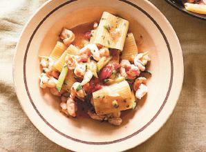 RECIPE: Paccheri recipe with prawn, courgette and parsley sauce